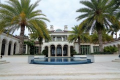 Luxury-Home-Realtor-Showing-at-The-Baums-1